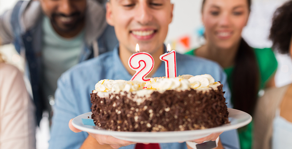 21st Birthday Gifts 21 Unique Ideas