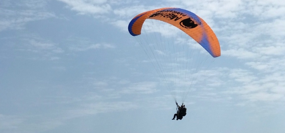 Tandem Paragliding Adventure in East Sussex-2