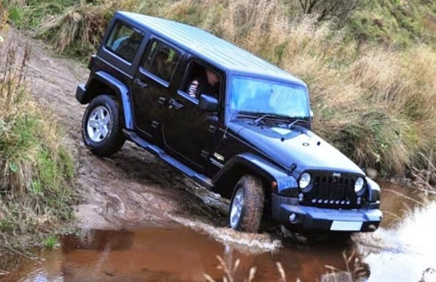 4x4-jeep-driving-experience-knockhill.jpg