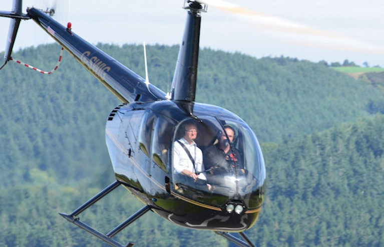 60-minute-flying-lesson-in-a-helicopter-in-welshpool.jpg