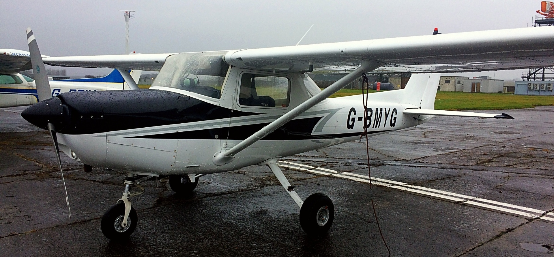 90 Minute Two Seater Flying Lesson In Glasgow