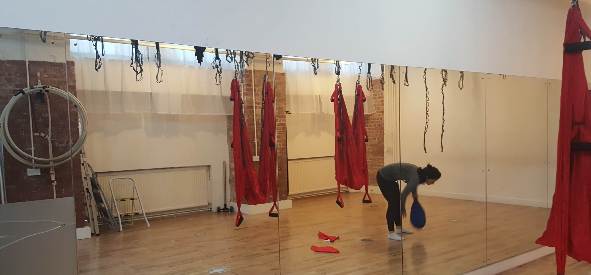 Private Aerial Yoga Class For Two - London-2