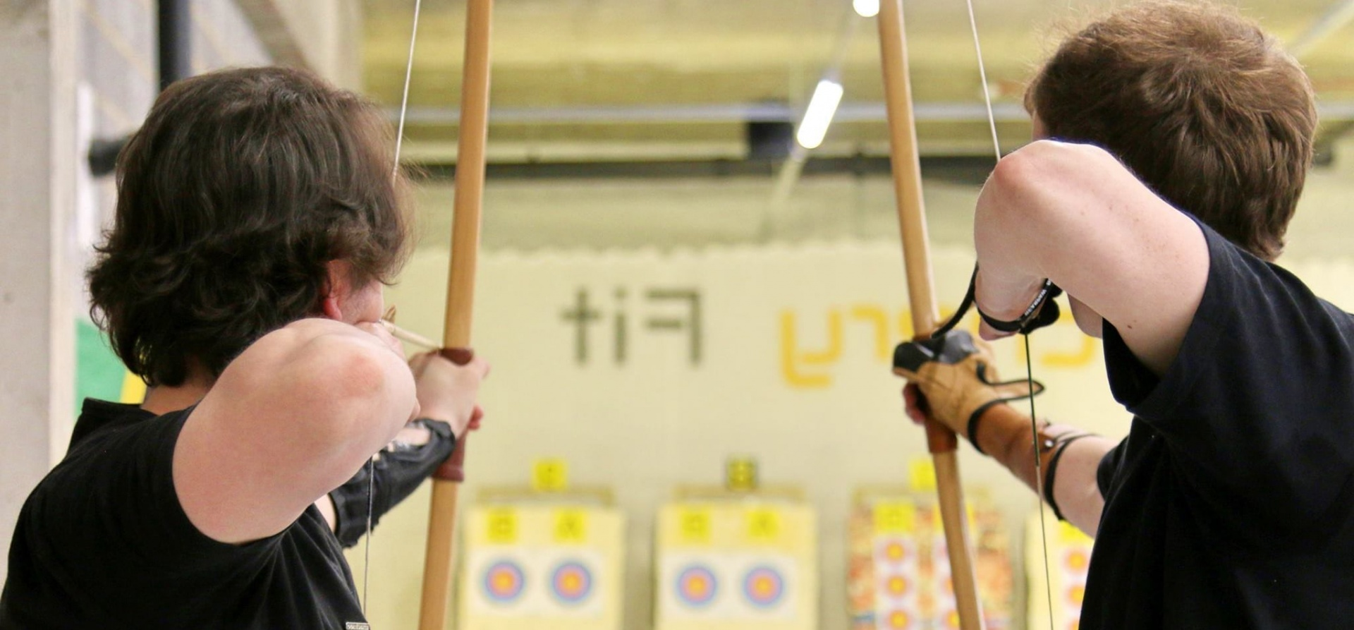 1.5 Hour Archery Lesson in London-3