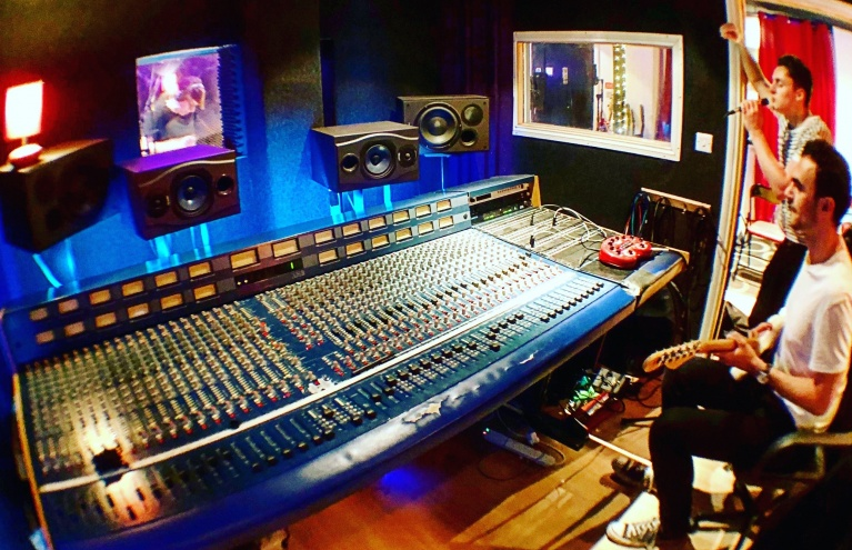 Audiobeach-Studions-track-making-size.jpg