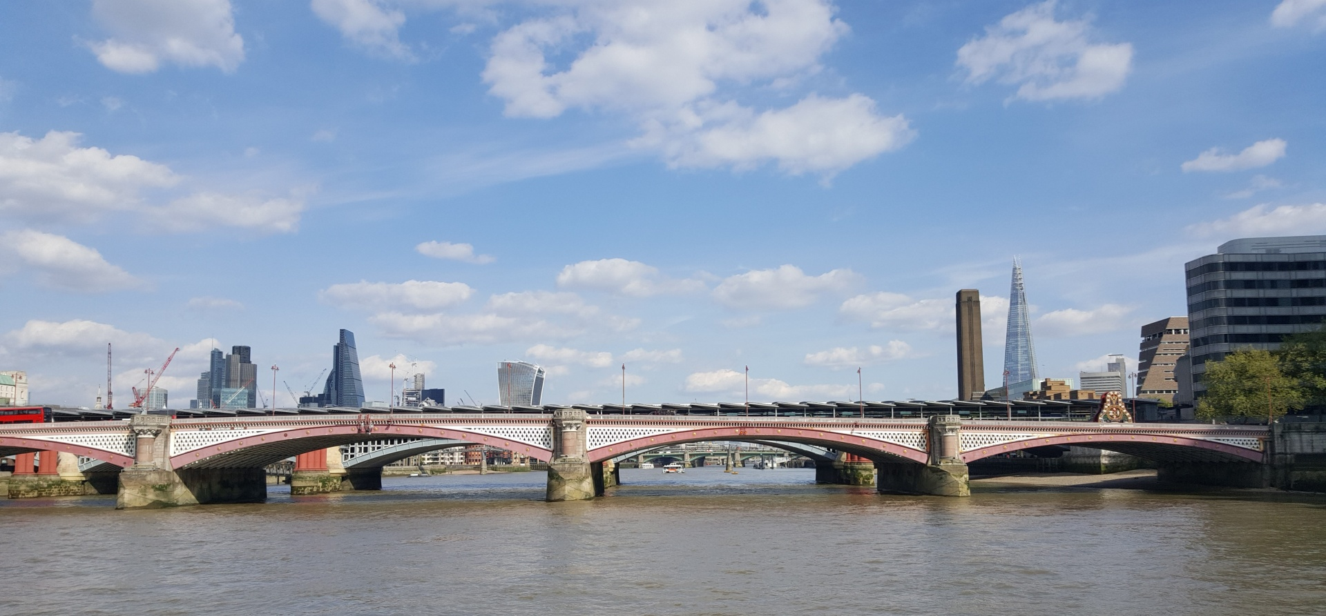 Classic Thames Lunch Cruise for Two-7
