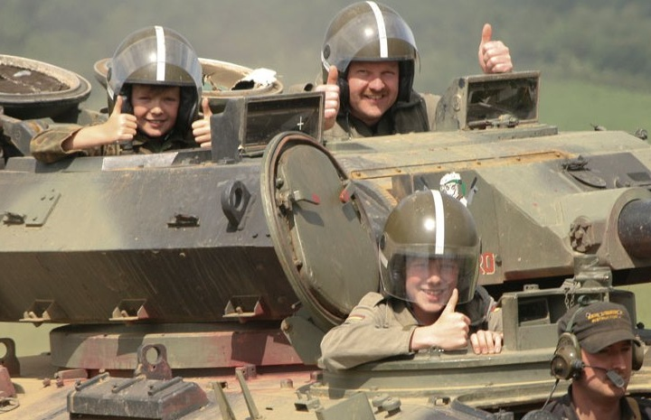 Battle-in-Army-Tanks-Experience-in-Leicester.jpg