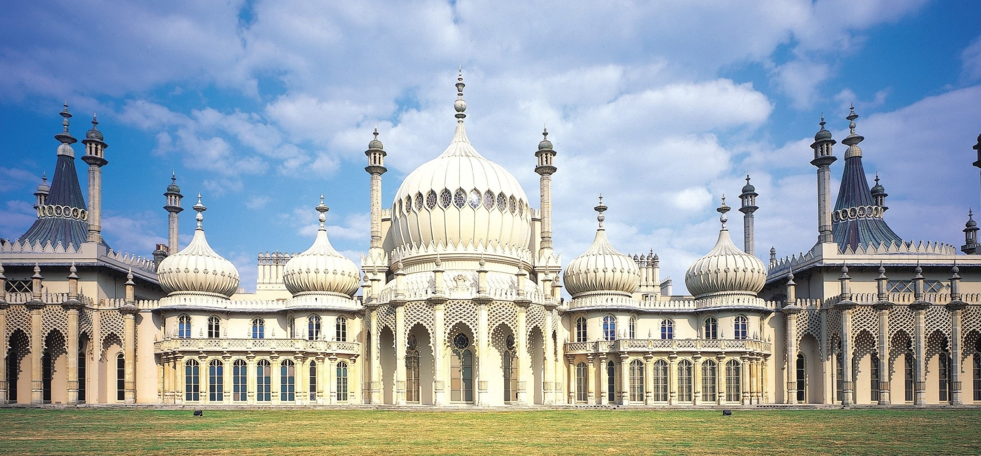 Brighton Overnight Stay for Two with Attractions-1