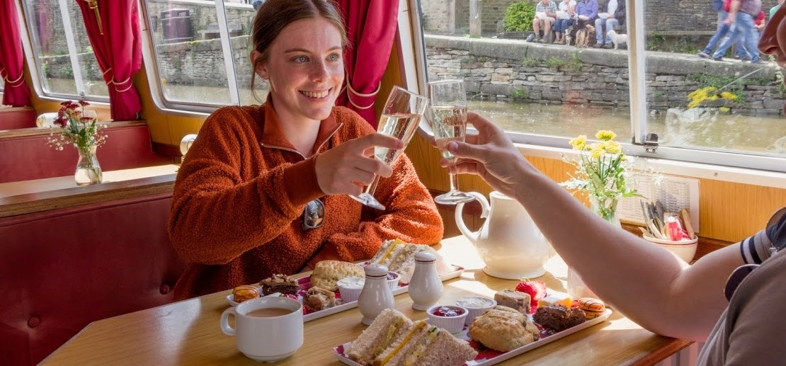 Afternoon Tea Cruise With Bottle of Bubbly in Skipton-2