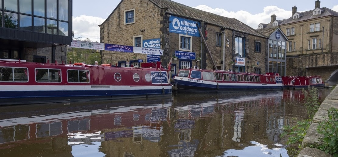 Afternoon Tea Cruise With Bottle of Bubbly in Skipton-8