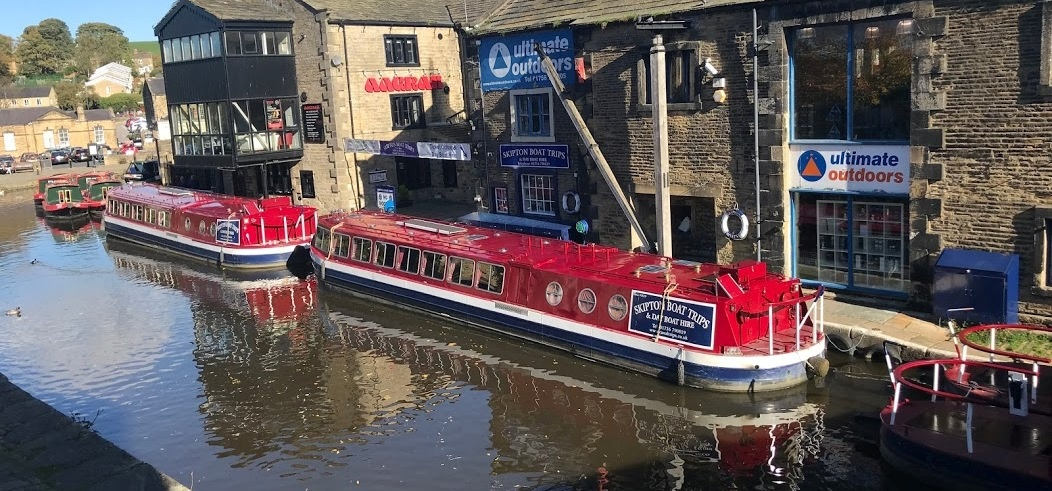 Afternoon Tea Cruise With Bottle of Bubbly in Skipton-3
