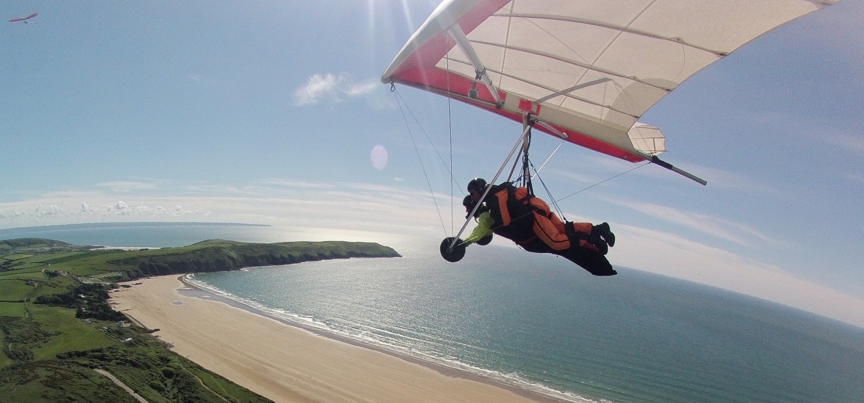 The Ultimate Hang Gliding Experience In Devon