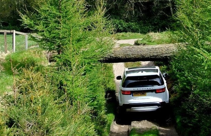 Drive-A-Land-Rover-Experience-Day-in-Scotland.jpg