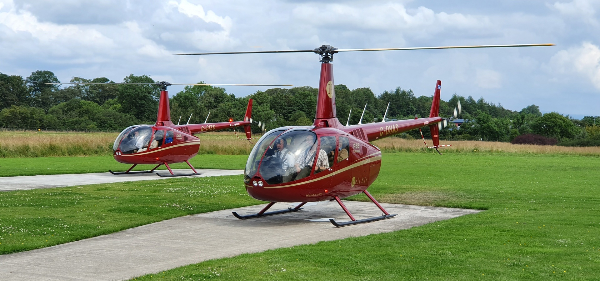 Edinburgh Helicopter Sightseeing Tour for Three-3