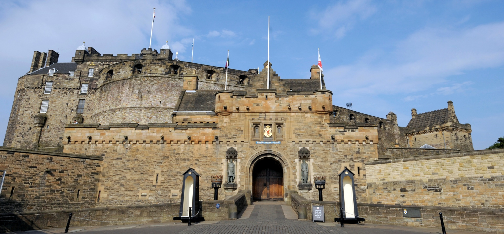 Edinburgh Castle Visit with Dinner for Two-1