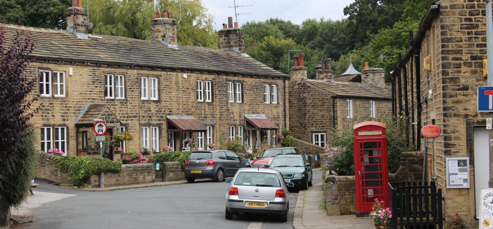 Emmerdale Filming Locations Bus Tour - Leeds-10