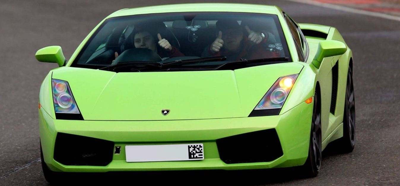 Lamborghini Driving Thrill With Hot Lap-1