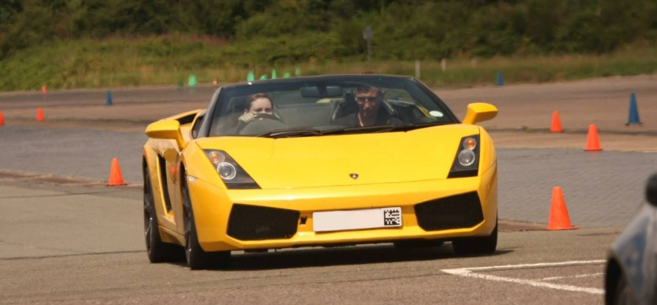 Lamborghini Driving Thrill With Hot Lap-2