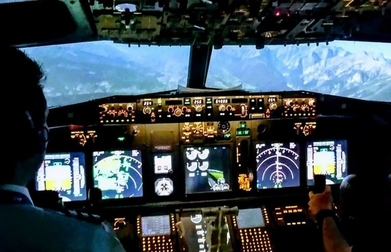 Flight-Simulator-in-Leicestershire-Experience-Gift.jpg