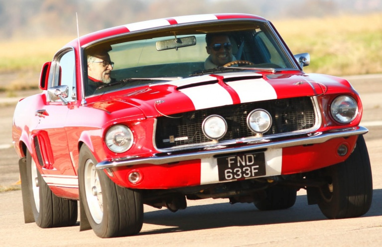 Ford-Mustang-Supercar-Drive-in-Oxfordshire.jpg