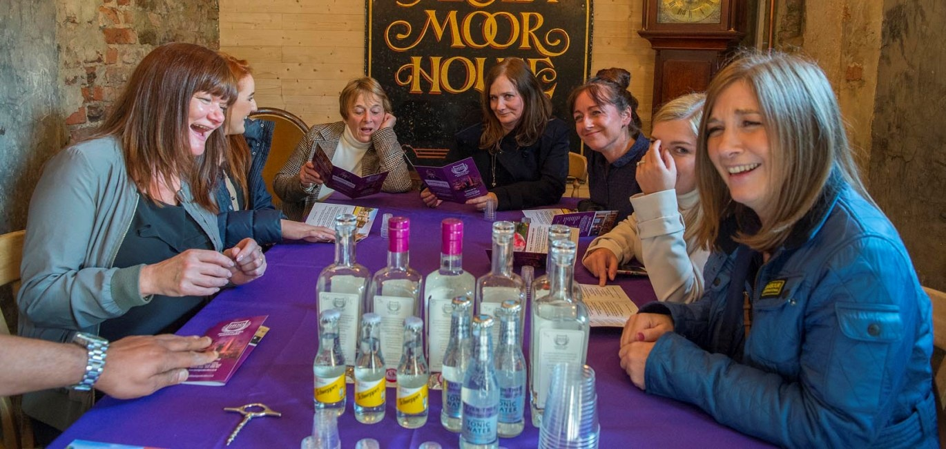 Private Gin Bus Tour In Yorkshire