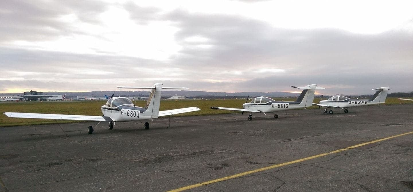 Four Seater Flying Lesson in Glasgow (30 Mins)-4