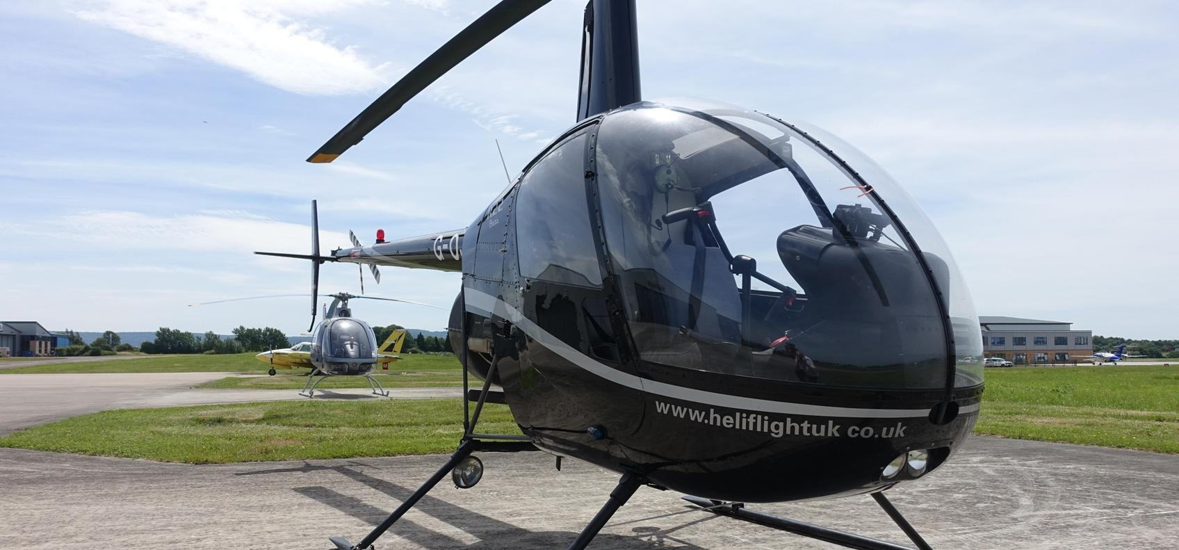 R22 Helicopter Trial Flight Lesson In Gloucestershire (30 Mins)