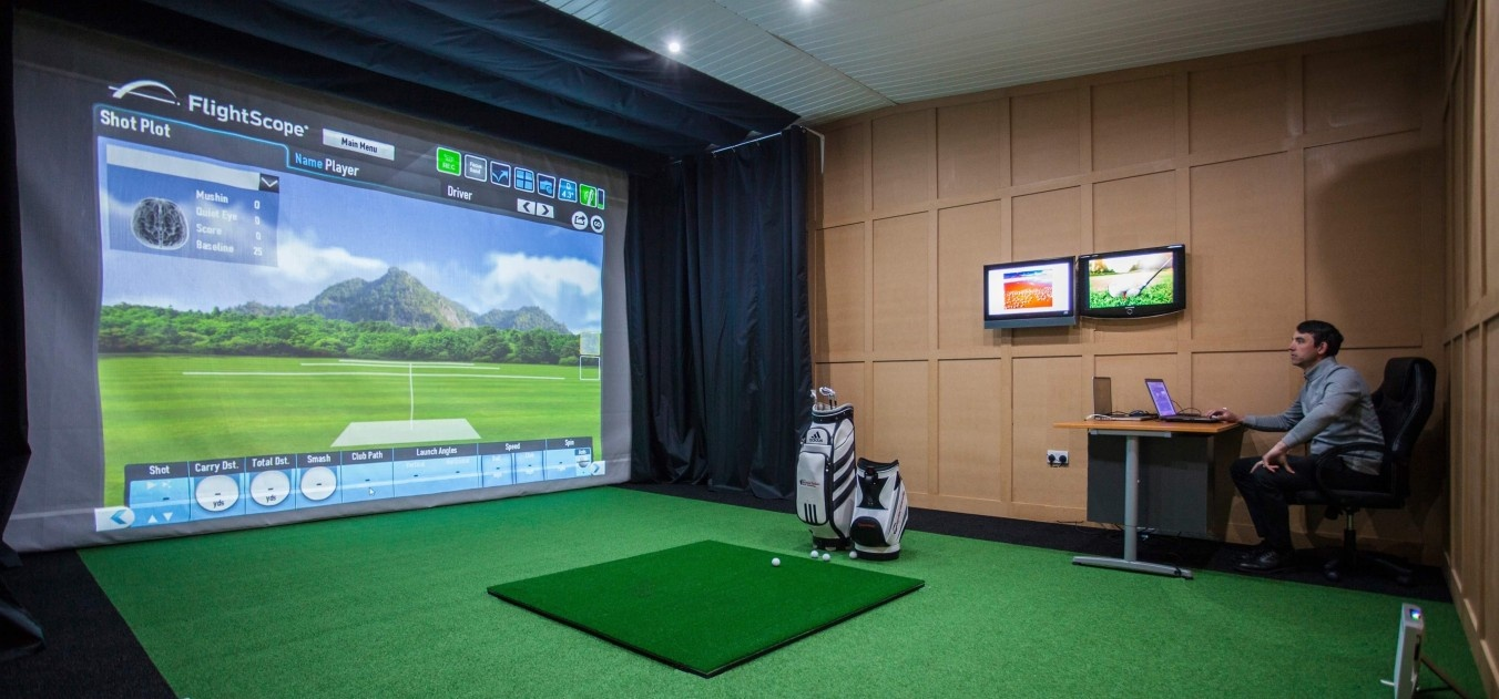 1 Hour Golf Simulator Experience in Cheshire-4