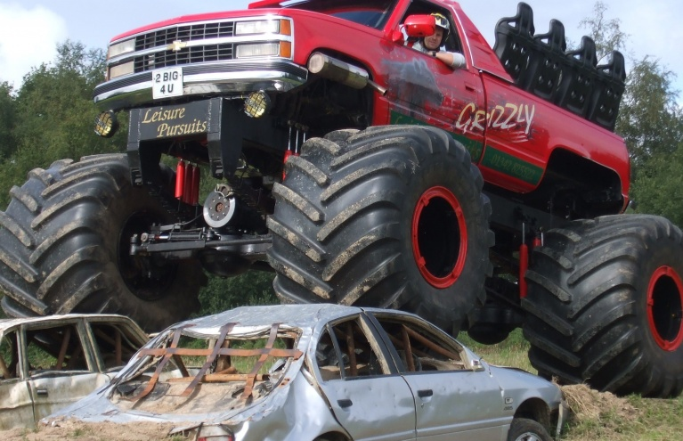 Grizzly-Monster-Truck-Experience-East-Grinsted-02.jpg