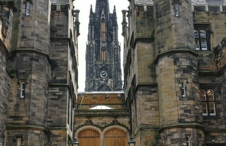 Half Day Edinburgh Old Town Tour.jpg