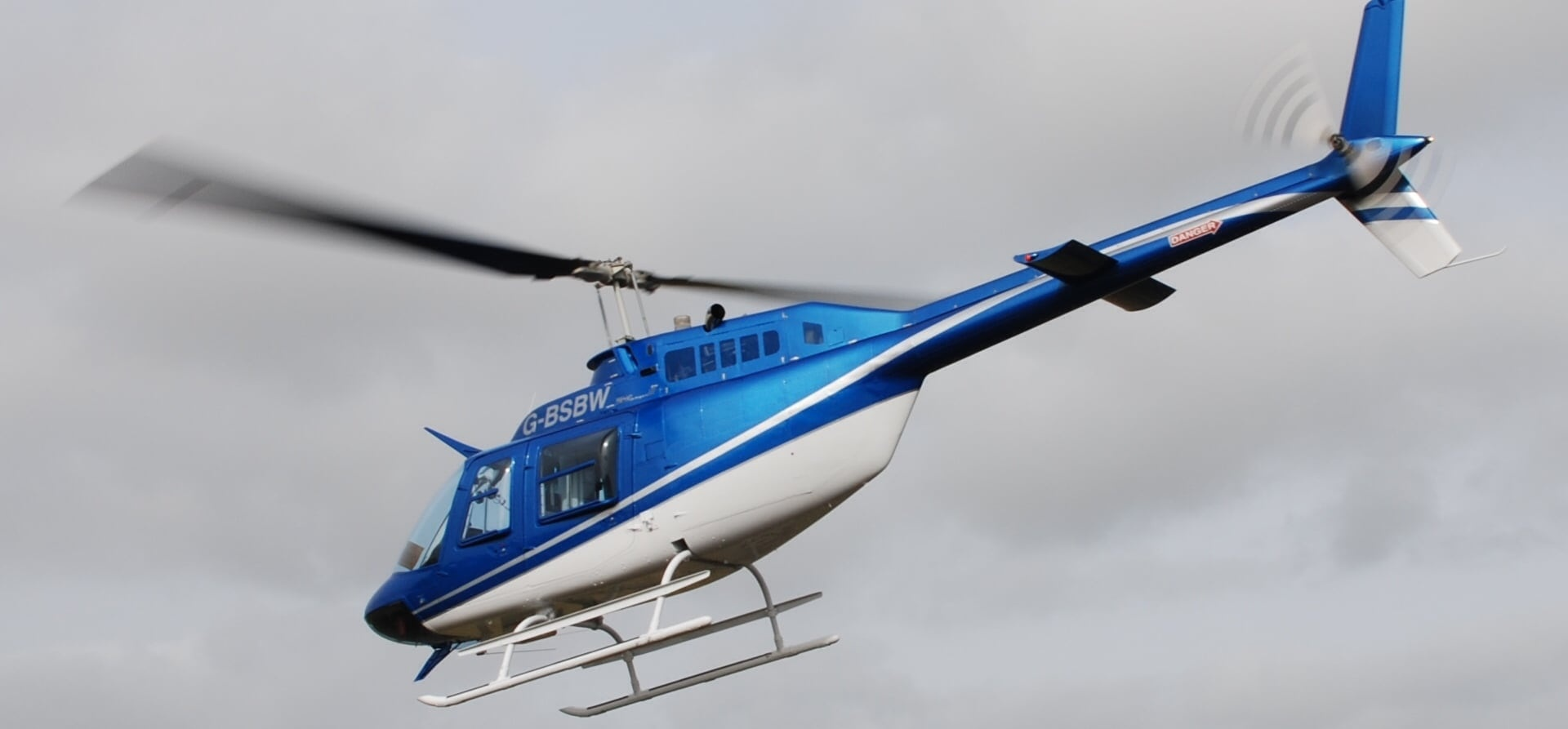 Helicopter Pleasure Flight For Four In Gloucestershire 30 Min