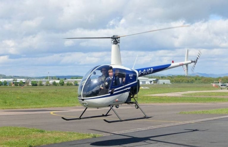Heli-Flight-Gloucestershire-R22-Flights-Airborne.JPG