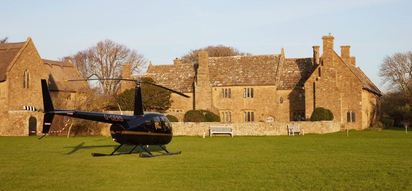 Romantic Sussex Helicopter Flight With Lunch-1