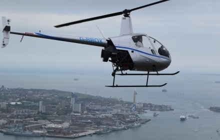 articles/2018/03/Helicopter-Tour-London-or-Portsmouth-1920x1080-resize.jpg