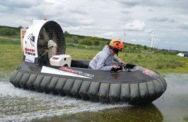 Hoverforce-Hovercrafting-Experiences-1.jpeg