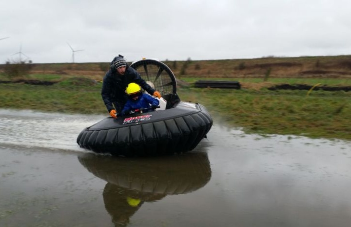 Hoverforce-Kids-Hovercrafting-Experiences-4.jpeg