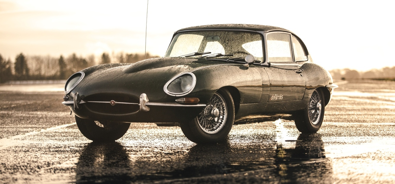 Jaguar E-Type Driving Experience in Hertfordshire-3