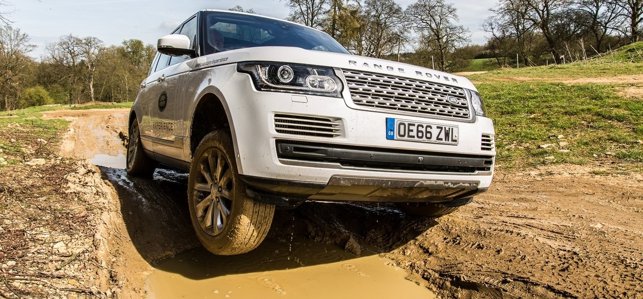 1 Hour Private Land Rover Experience
