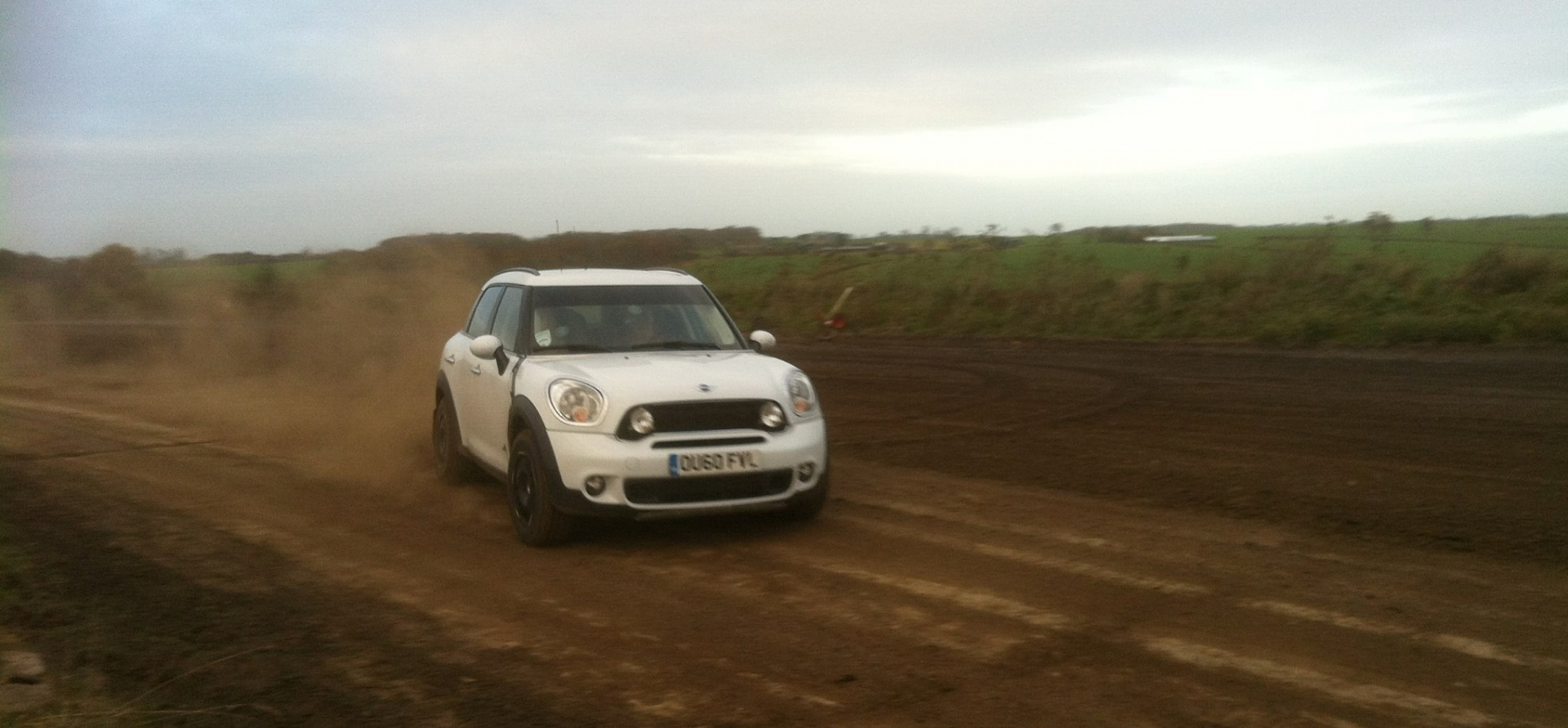 drive a mini countryman cooper s for 3 laps in essex experience days. Black Bedroom Furniture Sets. Home Design Ideas
