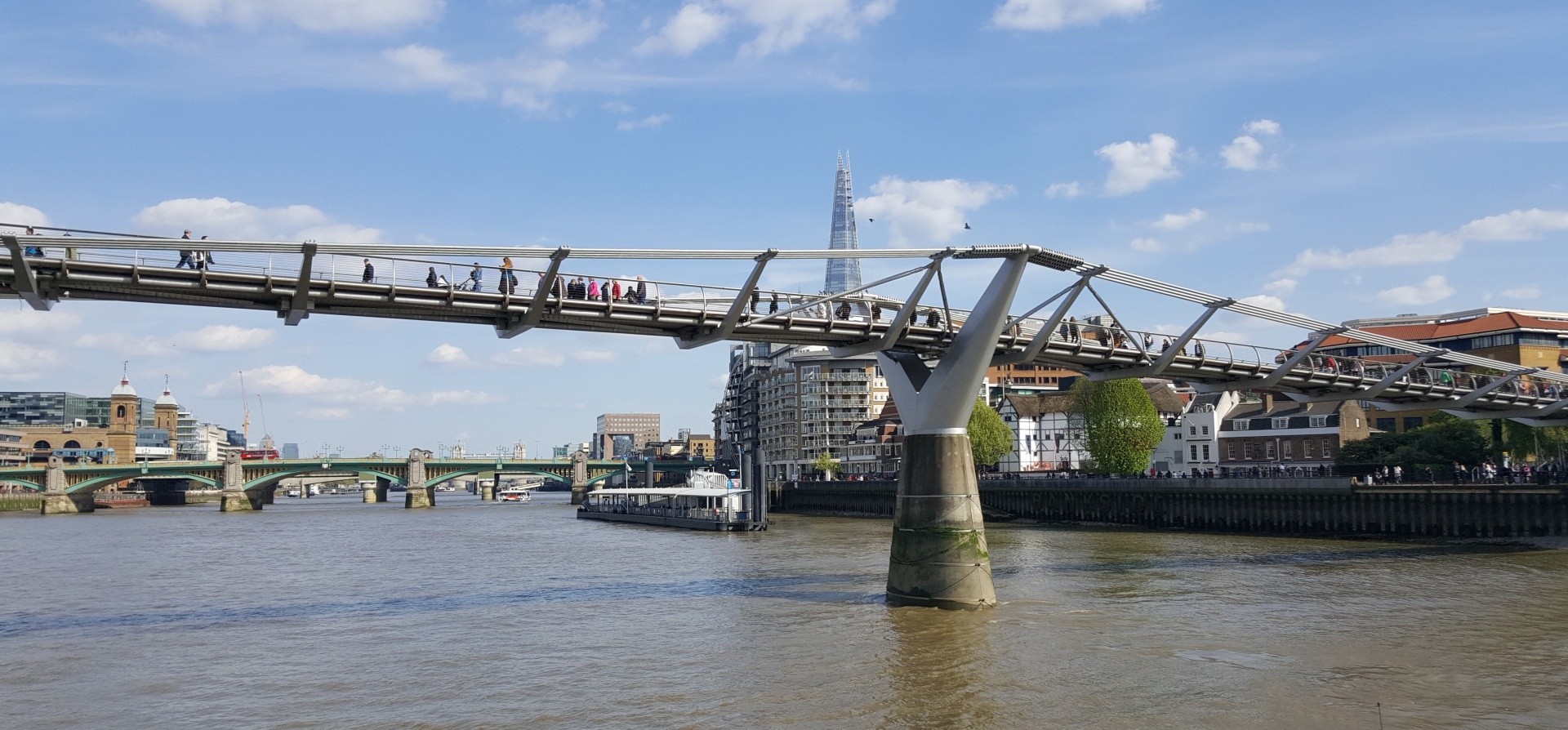 Classic Thames Afternoon Tea Cruise for Two-10