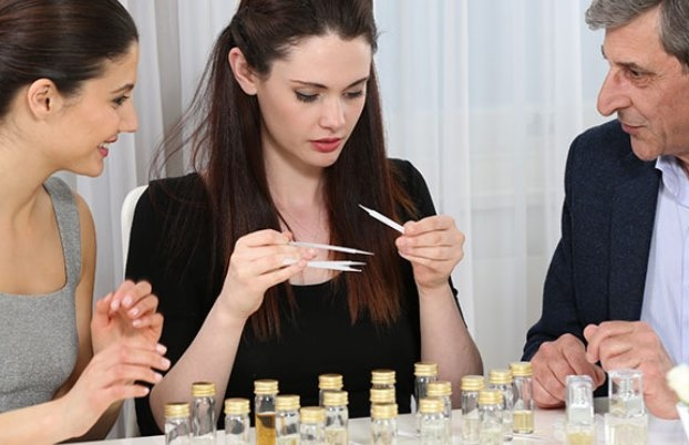 Make-your-Own-Perfume-in-Brighton-with-Afternoon-Tea.jpg
