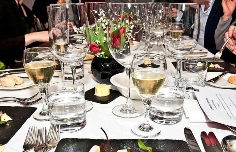 Multiple-Locations-Wine-Tasting-Experience-Three-Course-Lunch.jpg