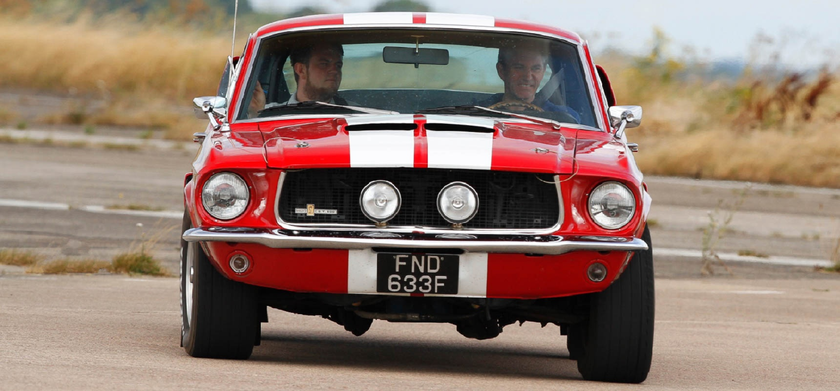 Drive a ford mustang in oxfordshire 3