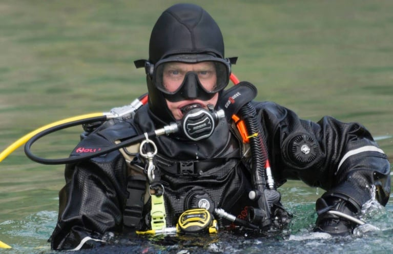 Open-water-diving-experience-in-cheshire.jpg