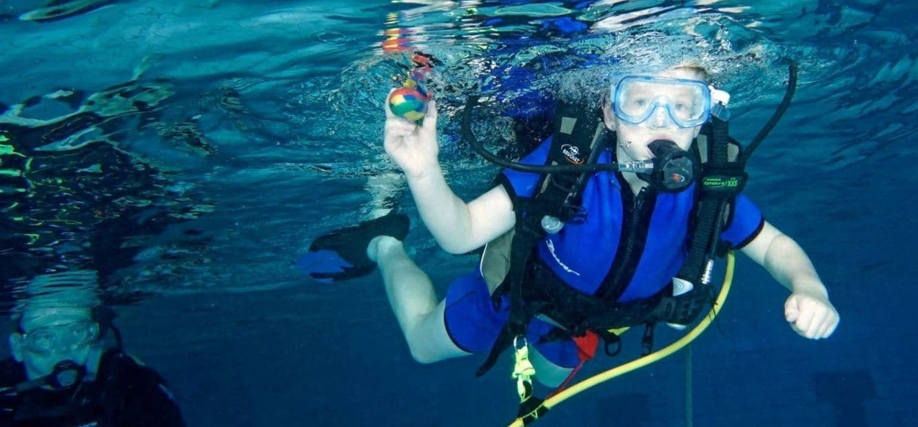 Kids Scuba Diving Bubblemaker Introduction in Cheshire-1