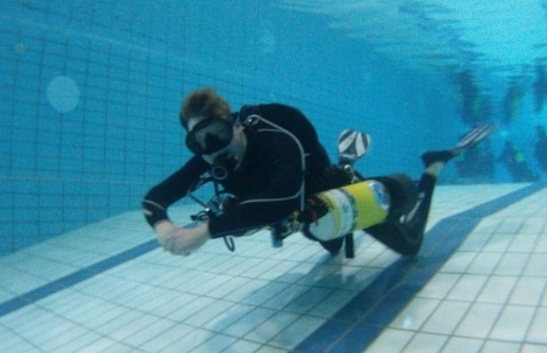PADI-Open-Water-Diving-Course-in-Cheshire-Pool.JPG