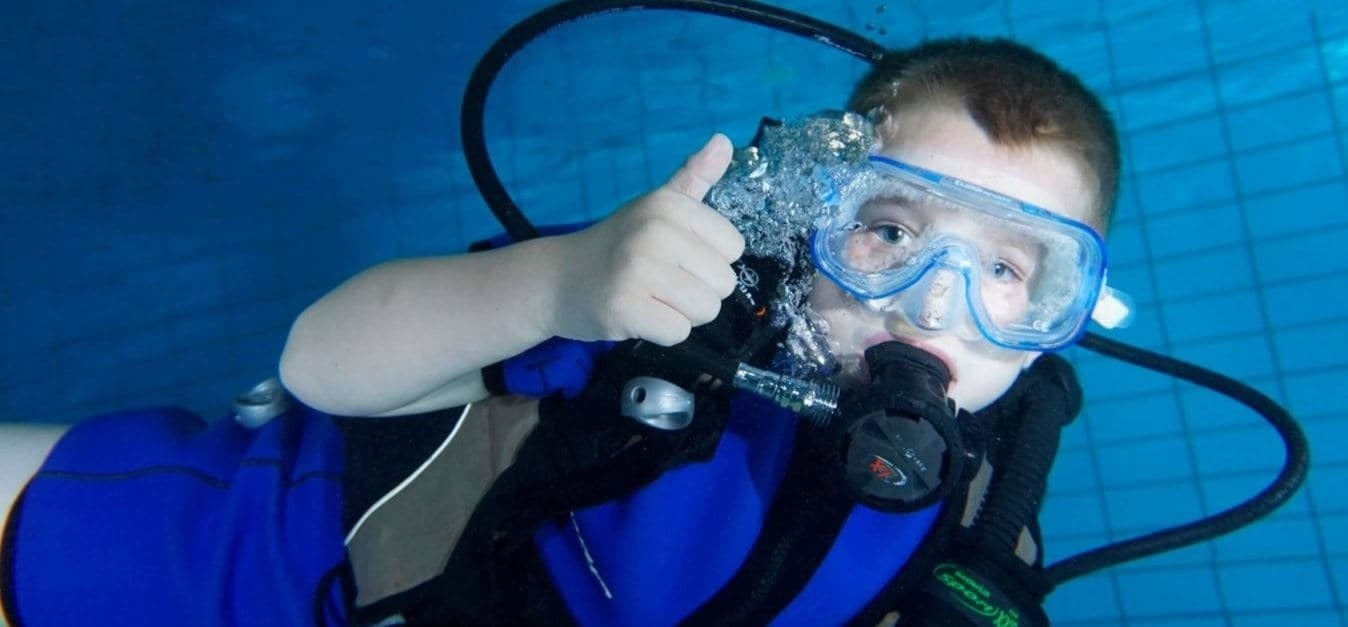 Kids Scuba Diving Bubblemaker Introduction in Cheshire-3