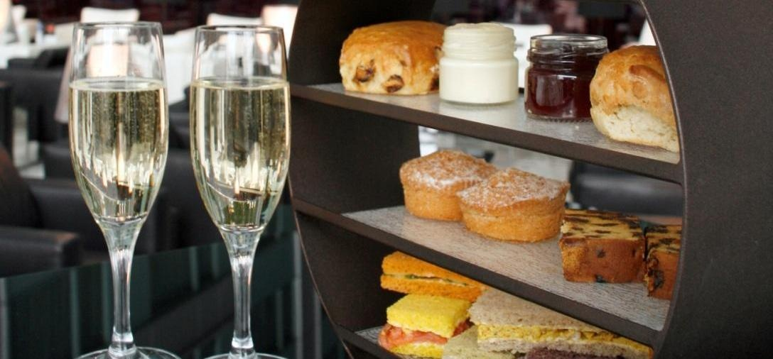 London Eye With Afternoon Tea For Two At Park Plaza County Hall