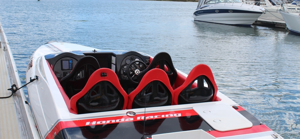 One To One Honda 150 Powerboating Experience In Southampton