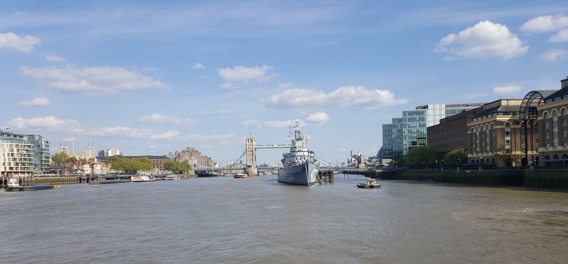 Classic Thames Lunch Cruise for Two-14