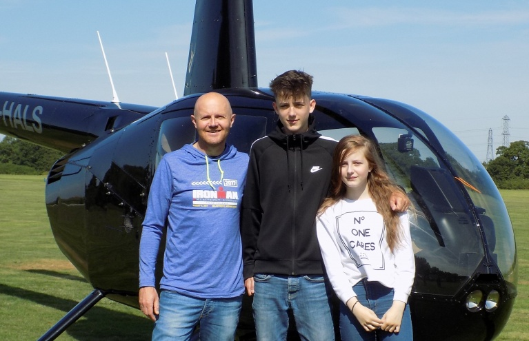 Robinson-R44-Flying-Lesson-in-Hertfordshire-07.jpg